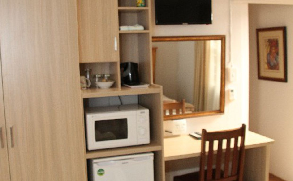 sumfra-guesthouse-room-3b